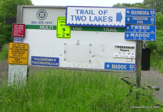 Trail of two Lakes, start sign