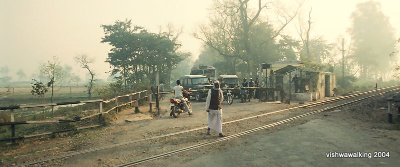 India, outside Lucknow, early morning railway crossing