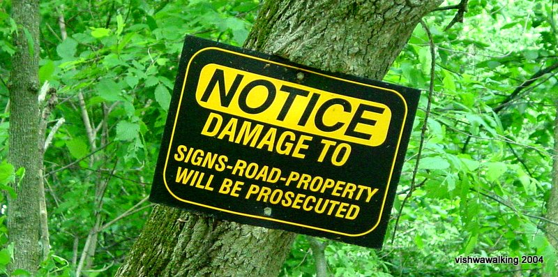 sign: damage to property