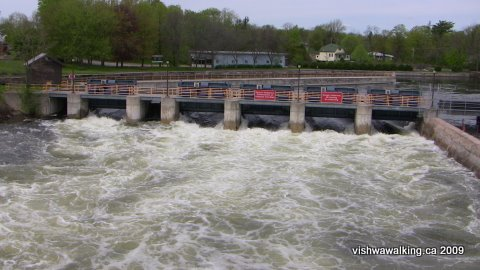 Lakefield dam, looking north from the bridge