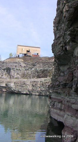 marmoraton, cliff from water leve and abandoned building